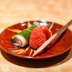 御料理 堀川 - 桜餅、苺