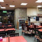 85655879 - いかにも中国料理店の店内