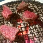 ステーキ酒場 うしマル - 焼きます