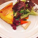 一ツ木町倶楽部 フレンチグリル&ベーカリー - キッシュプレート @1,000円 ここにスープ・パン・食後のカフェがセット。