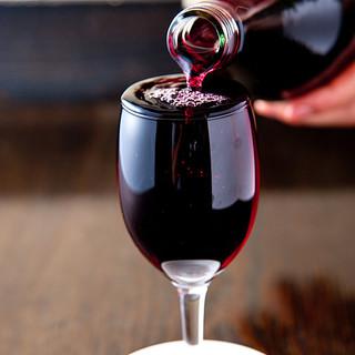 絶品ステーキと相性抜群のワインをご用意。