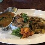 八戒 - 料理写真:OSAMU式カレー2種合がけ+魯肉飯