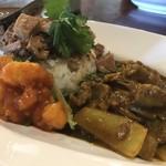 中華料理 八戒 - ラム肉の麻辣カリィ、海老チリ、魯肉飯
