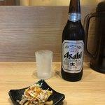 舎鈴 - 「ビール大瓶(お通し付き)」600円