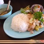 タイごはん屋 ナムチム - 豚バラと野菜タイスキソース炒めご飯大(日替わりぶっかけごはん)