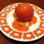 グリルキャピタル東洋亭 - Aセットは、メインにキンキンに冷えたトマトのサラダも付いてきます。    17:00時までの嬉しいランチセット