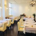 レストラン アオヤマ - 結婚式後の会食にも メインテーブル有
