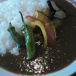 カリースタイル - 6種類の野菜の素揚げがのった夏野菜カレー