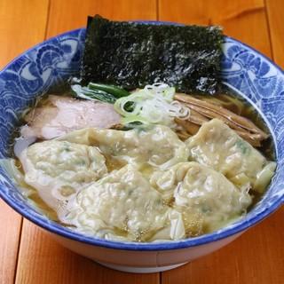 ら麺亭のこだわり③【肉厚ワンタン麺】