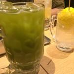 串だおれ - 【'18.4】緑茶ハイはメガジョッキで注文。