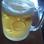 85683169 - 氷ったハートランド。最近ハートランドの生が普及し始めていますが、なんでジョッキの形状がこんな感じなのかが納得いきません。もっといいグラスで飲んだ方が美味しいと思います♪