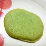 エレファンルージュ - 抹茶のクッキーの中に抹茶チョコレートをサンド