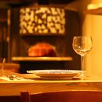 La muto PIZZA&TRATTORIA - カウンター席では大人な雰囲気で楽しめます。