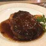 85694683 - 【伊萬里牛ハンバーグセット(150g)/\1,800】つなぎ不使用(たぶん)のとっても肉々しいハンバーグでした。