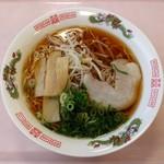 マルナカ フードコート - 料理写真:醤油ラーメン(390円)
