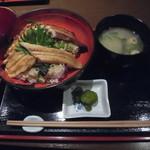 85698001 - 穴子二色丼 1,080円
