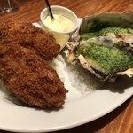 ガンボ&オイスターバー - 牡蠣フライとガーリックバター