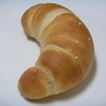 ブーランジェリー ムーラン - 料理写真:塩バターロール