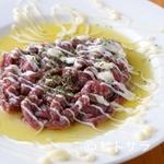 イタリアン食堂Bright.D - ヘルシーで美味しい『馬肉のタルタル』 馬肉のオイル