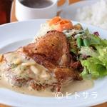 イタリアン食堂Bright.D - オープン以来30000食突破。ランチタイム人気NO.1『チキンガーリックステーキ』