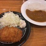 カツカレー専門店 新宿カレー  - 「イベリコ豚ロースカツカレー」980円