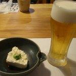8571970 - 生ビールと冷奴