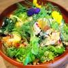 湯島ワイン食堂 パパン - 料理写真:有機野菜をふんだんに使ったサラダ