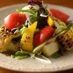 ごはんや一芯 - 夏野菜のサラダ