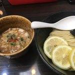 四ツ谷麺処スージーハウス - レモンつけ麺 中盛  中盛だとスープが足りない印象
