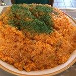 85739105 - デカ盛り「チキンライス」〔ご飯2,000g〕ふんだんにトマトケチャップが使用された「チキンライス」はしっとりとしていて、全くパサつきがないので、嚥下は比較的楽な方になる。