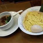 ら~めん曳舟 - しょうゆつけ麺+味玉(900円)