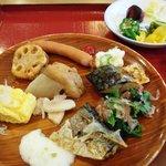 8574306 - カロリーは総じて低そうな惣菜。