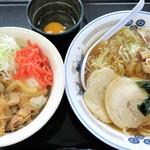 山田うどん - 料理写真:ラーメン+スタミナパンチ丼