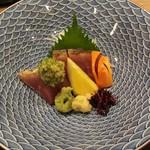 日本料理 花月 - 鰹の叩き お皿がステキ