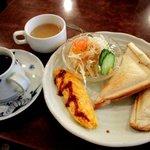 昔ながらの喫茶店 友路有  - ホットサンドハムチーズセット!