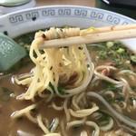黒豚ラーメン蔵 - 黒豚ネギラーメン 麺