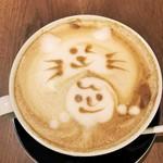 biodinamico - 猫と女の子のラテアートが素敵
