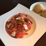 トラットリア グーフォ - 料理写真:絶品&豪華!エビ・ウニ・タコ・フルーツトマトのパスタ、日替わりランチセット¥1,500