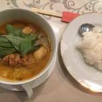 THI THI - 料理写真:鳥肉ココナッツカレーライス(CARI GA)