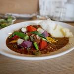 LAND - チキンカレー 野菜トッピング