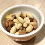花畑牧場ラクレットチーズ×肉バル ブルーノ東京 - お通しのミックスナッツ