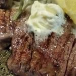 ステーキハウス igarasi - お肉、アップ。