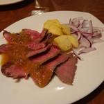 フレンチ小料理バル megane - 和牛ランプステーキ(1,069円)