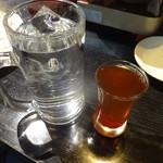 逸品火鍋 - 42度のクコ栄養大補酒。