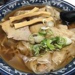 華月 - 料理写真:ワンタン麺