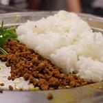 焼肉ケニヤ - 麻婆麺にライスイン