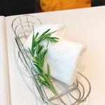 クリマ ディ トスカーナ - ローズマリーの香りがいいお手拭きタオル