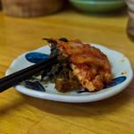85769523 - サービスの高菜とキムチ