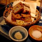 なっぱSUN - れんこんの海老はさみ揚げ。抹茶塩って良いよね~