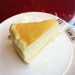 イタリアントマト カフェジュニア - 焼きチーズケーキ